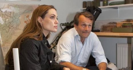 Angelina Jolie az aknamentesítésért