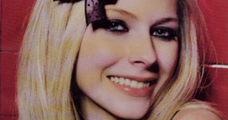 Avril Lavigne Girlfriend című száma a csúcson