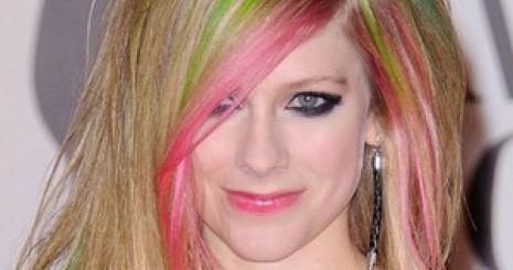 Avril Lavigne tényleg visszatért