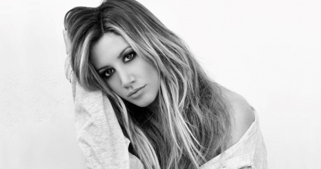 http://starity.hu/images/articles/465x245/dalpremier-ashley-tisdale-youre-always-here-12160740.jpg