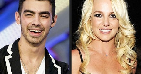 Joe Jonas csatlakozik Britney-hez