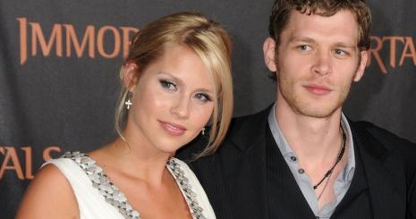 Joseph Morgan és Claire Holt egy pár?