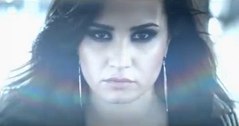 Klippremier: Demi Lovato — Heart Attack