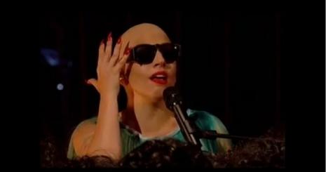Lady Gaga kopaszon lépett fel