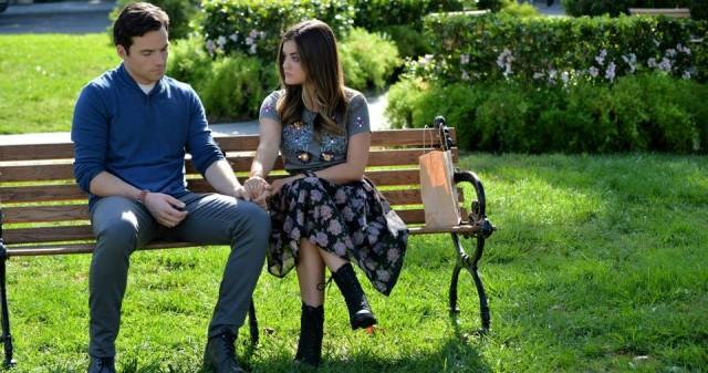 Lucy Hale elárulta, hogyan alakul Aria és Ezra kapcsolata