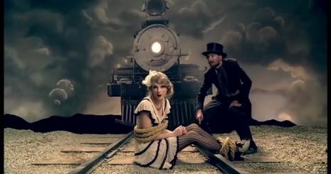 Megjelent Taylor Swift új klipje, a Mean