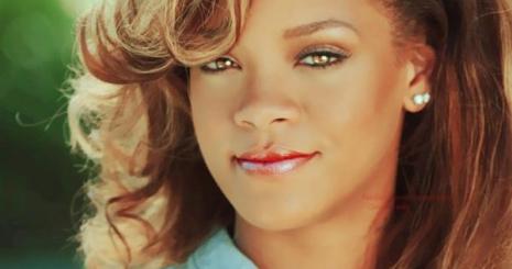 Rihanna limitált kiadású fehérneműt tervez