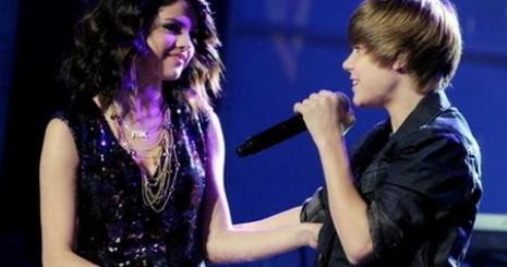 Selena-durva-velemenyt-mondott-justin-rol-10050726