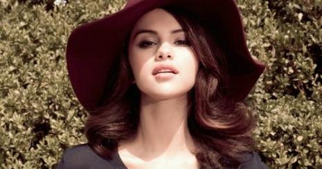 Selena Gomez Hunter Hayest szemelte ki