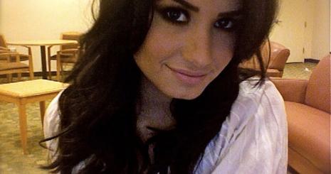 Demi Lovato 2011-ben turnézik