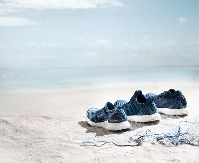 Új Adidas Műanyagpalackból hu Futócipőit Az 11 Gyártja Starity pqzMUVSG