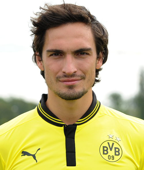 Mats Hummels earned a  million dollar salary, leaving the net worth at 12 million in 2017