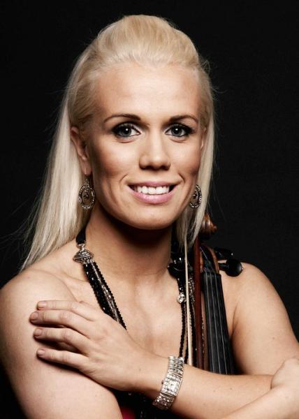 [Iceland] Greta Salóme ~ Hear Them Calling 2011
